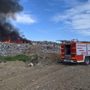 Požar odlagališta otpada u Belišću